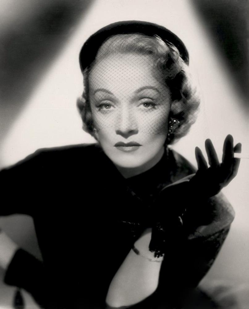 Marlene Dietrich, 1940`s